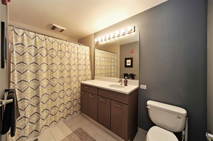 Real Estate Photography - 659 W Randolph, Unit 1007, Chicago, IL, 60661 - Master Bathroom