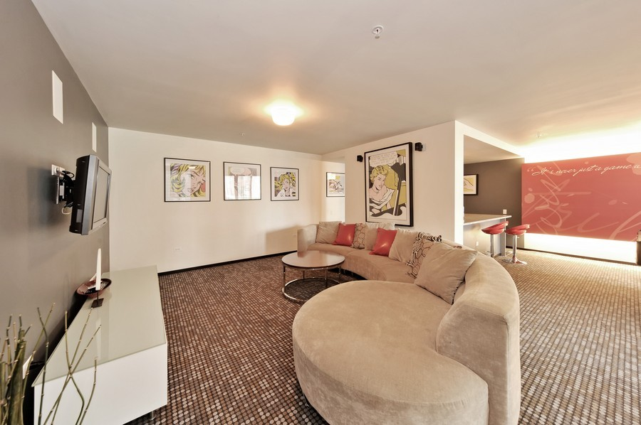 Real Estate Photography - 659 W Randolph, Unit 1007, Chicago, IL, 60661 - Recreational Room