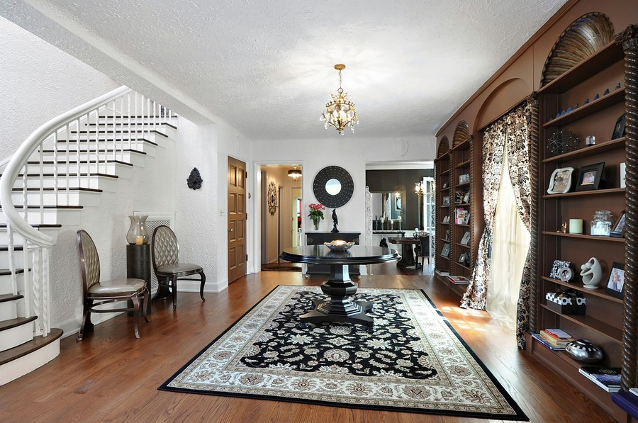 Real Estate Photography - 1425 Sheridan, Highland Park, IL, 60035 - Foyer