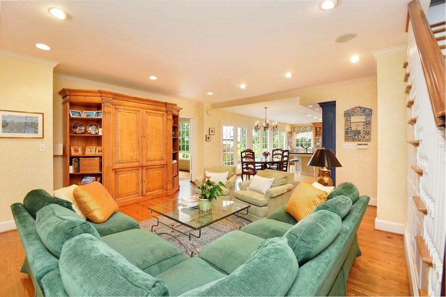 Real Estate Photography - 536 Warwick, Kenilworth, IL, 60043 - Great Room