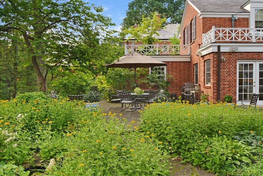 Real Estate Photography - 536 Warwick, Kenilworth, IL, 60043 - Garden