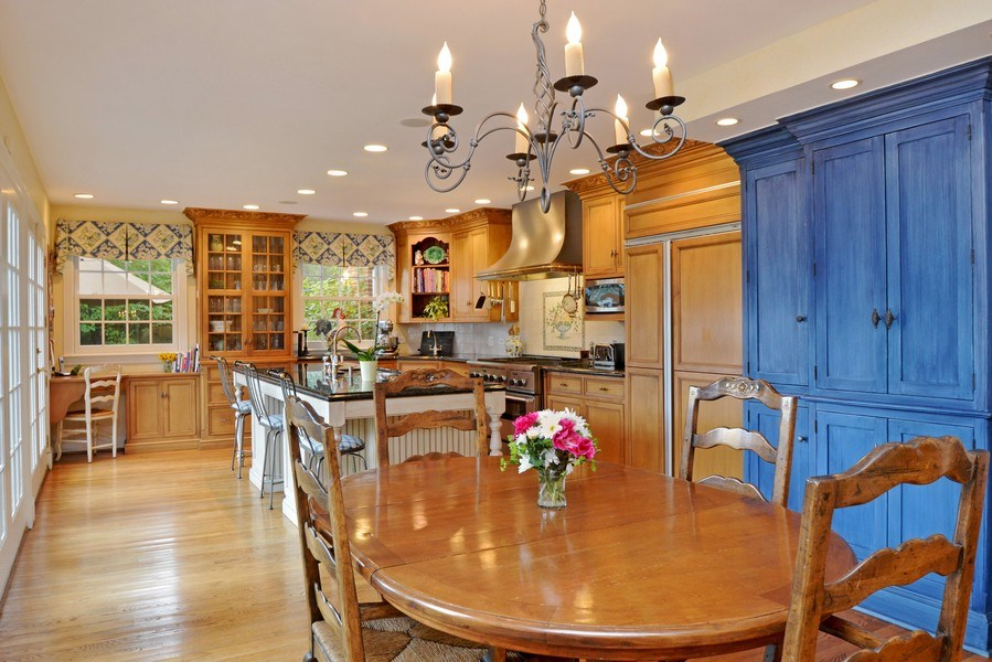 Real Estate Photography - 536 Warwick, Kenilworth, IL, 60043 - Breakfast Room