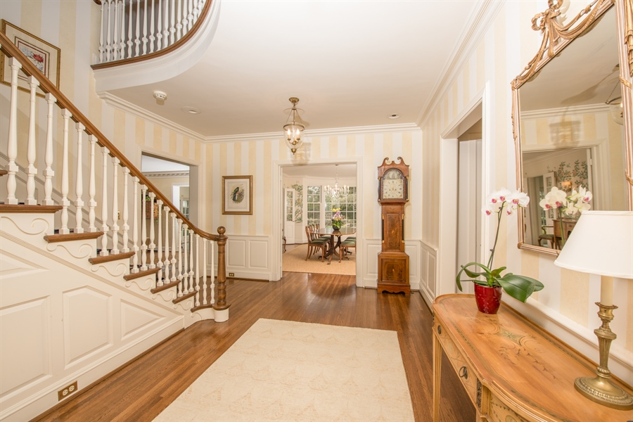 Real Estate Photography - 536 Warwick, Kenilworth, IL, 60043 - Foyer