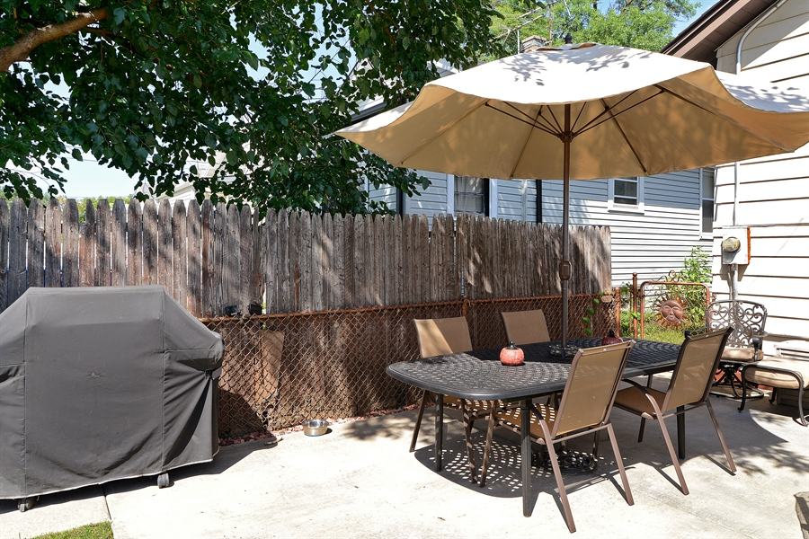 Real Estate Photography - 5531 W Grace St, Chicago, IL, 60641 - Patio
