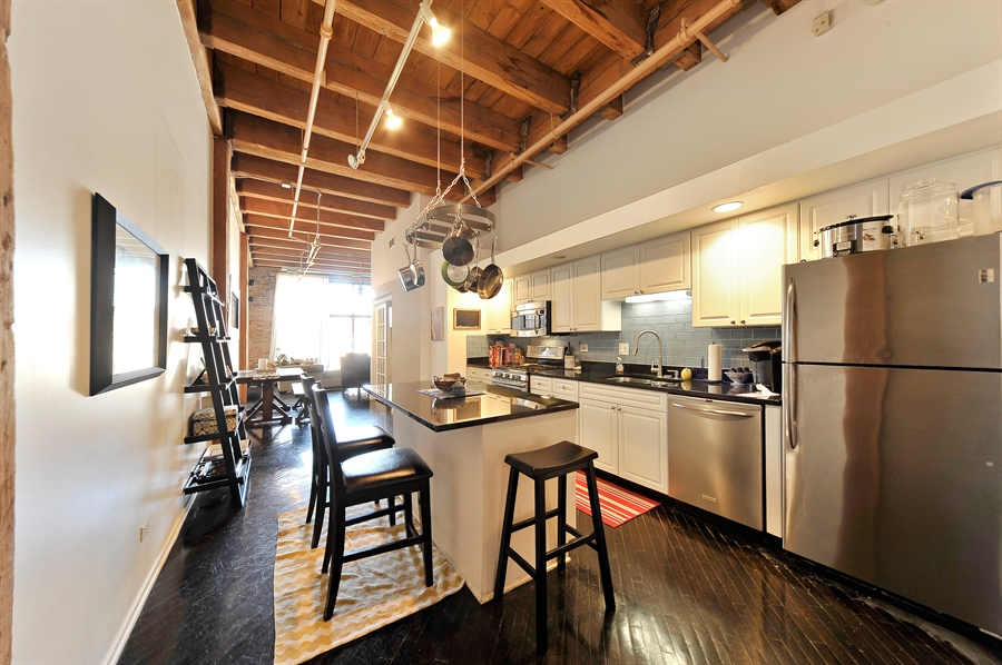 Real Estate Photography - 616 W Fulton, Unit 301, Chicago, IL, 60661 - Kitchen / Living Room
