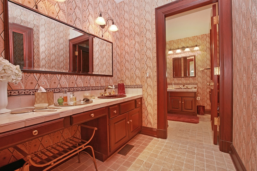 Real Estate Photography - 88 Otis Rd, Barrington Hills, IL, 60010 - 2nd Bathroom
