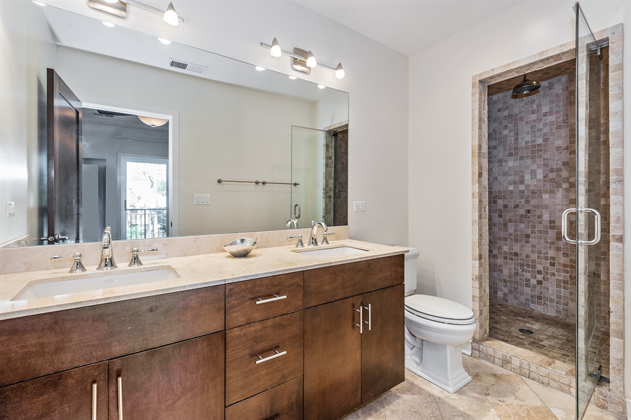 Real Estate Photography - 1115 N Hermitage Ave, Unit 2, Chicago, IL, 60622 - Master Bathroom