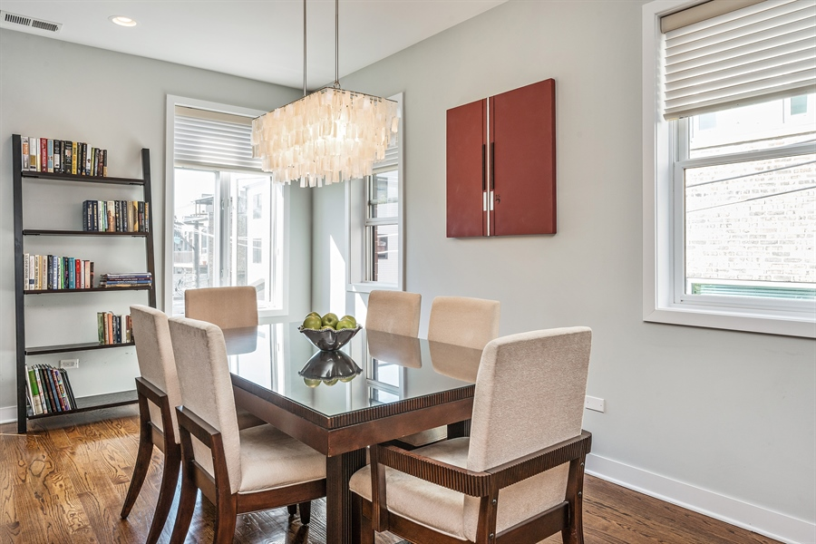 Real Estate Photography - 1115 N Hermitage Ave, Unit 2, Chicago, IL, 60622 - Dining Room