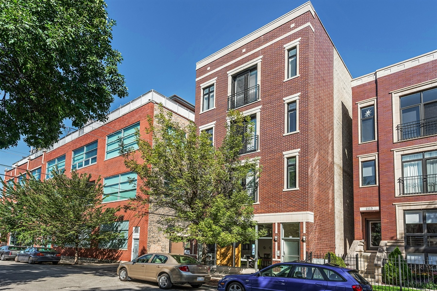 Real Estate Photography - 1115 N Hermitage Ave, Unit 2, Chicago, IL, 60622 - Front View
