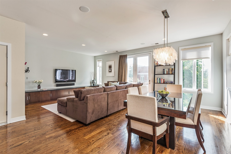 Real Estate Photography - 1115 N Hermitage Ave, Unit 2, Chicago, IL, 60622 - Living Room / Dining Room