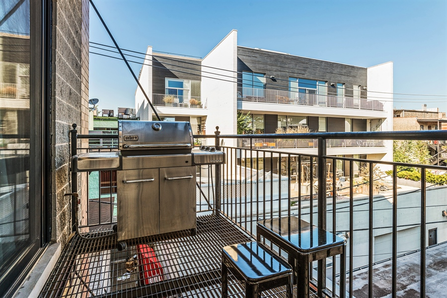 Real Estate Photography - 1115 N Hermitage Ave, Unit 2, Chicago, IL, 60622 - Balcony