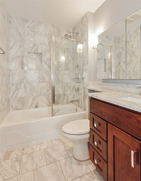 Real Estate Photography - 226 N Clinton, Unit 304, Chicago, IL, 60661 - Master Bathroom