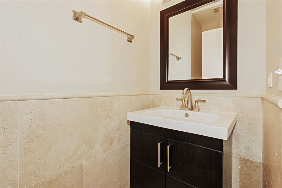 Real Estate Photography - 226 N Clinton, Unit 304, Chicago, IL, 60661 - Half Bath