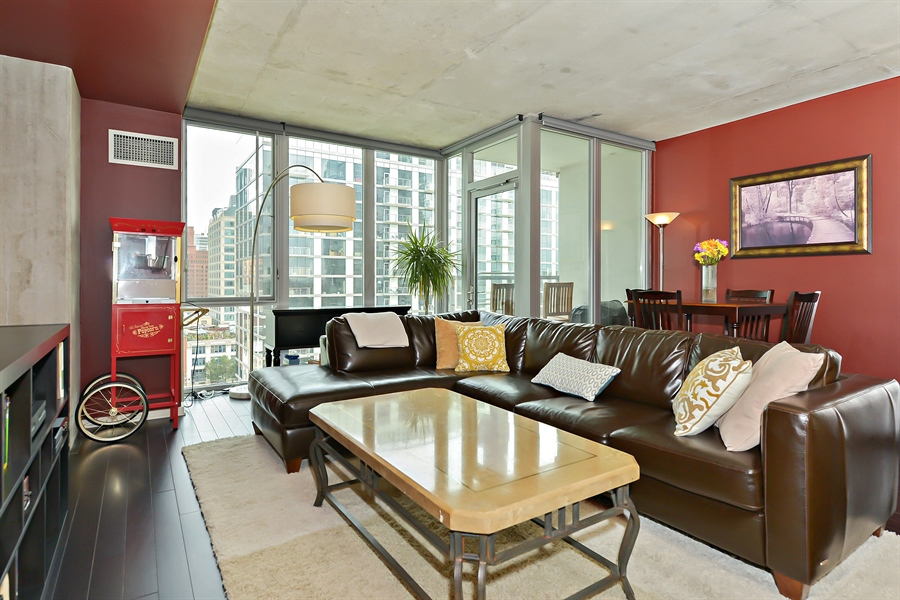 Real Estate Photography - 659 W Randolph, Unit 1215, Chicago, IL, 60661 - Living Room