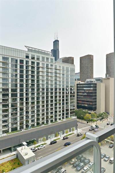 Real Estate Photography - 659 W Randolph, Unit 1215, Chicago, IL, 60661 - View