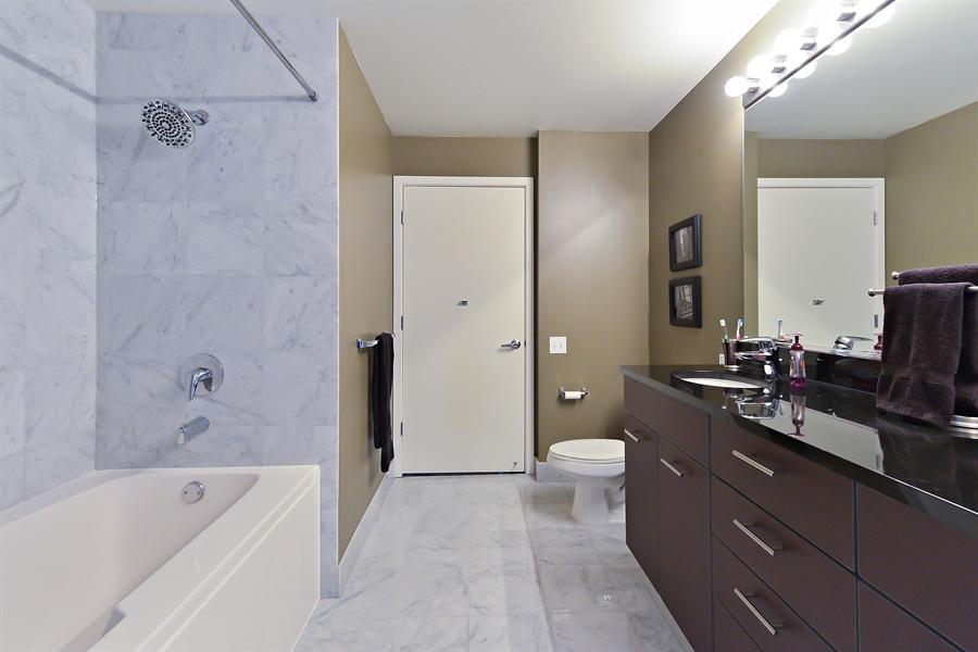 Real Estate Photography - 659 W Randolph, Unit 1215, Chicago, IL, 60661 - Bathroom