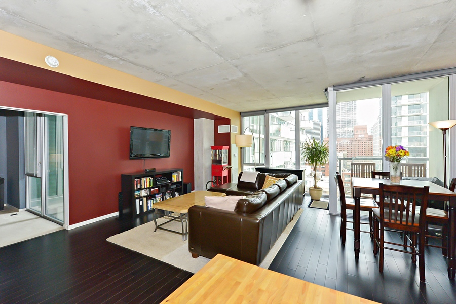 Real Estate Photography - 659 W Randolph, Unit 1215, Chicago, IL, 60661 - Living Room / Dining Room