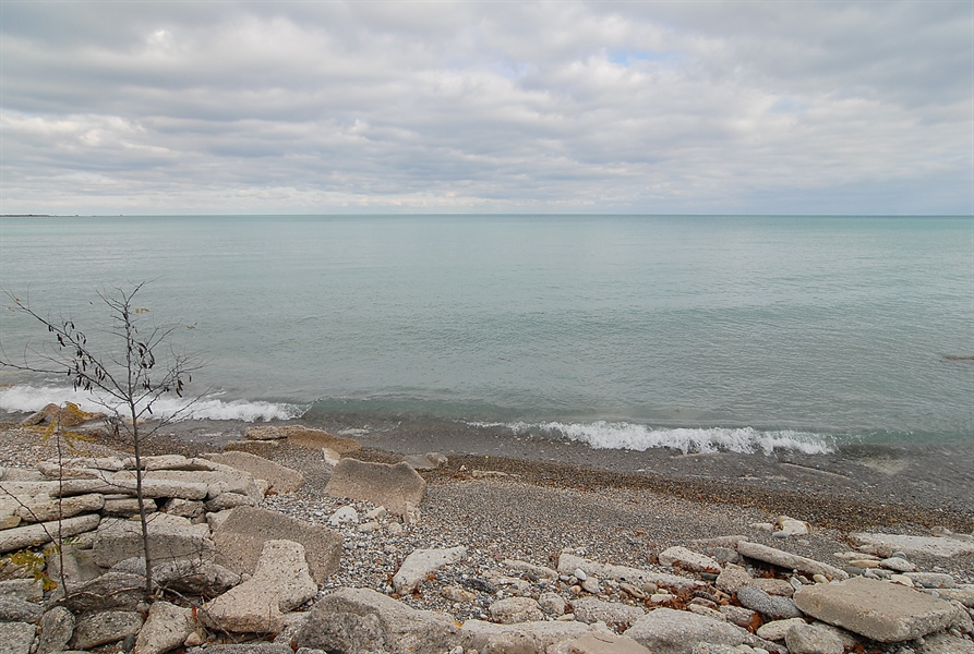 Real Estate Photography - 700 Arbor Drive, Lake Bluff, IL, 60044 - Beach on Lake Michigan