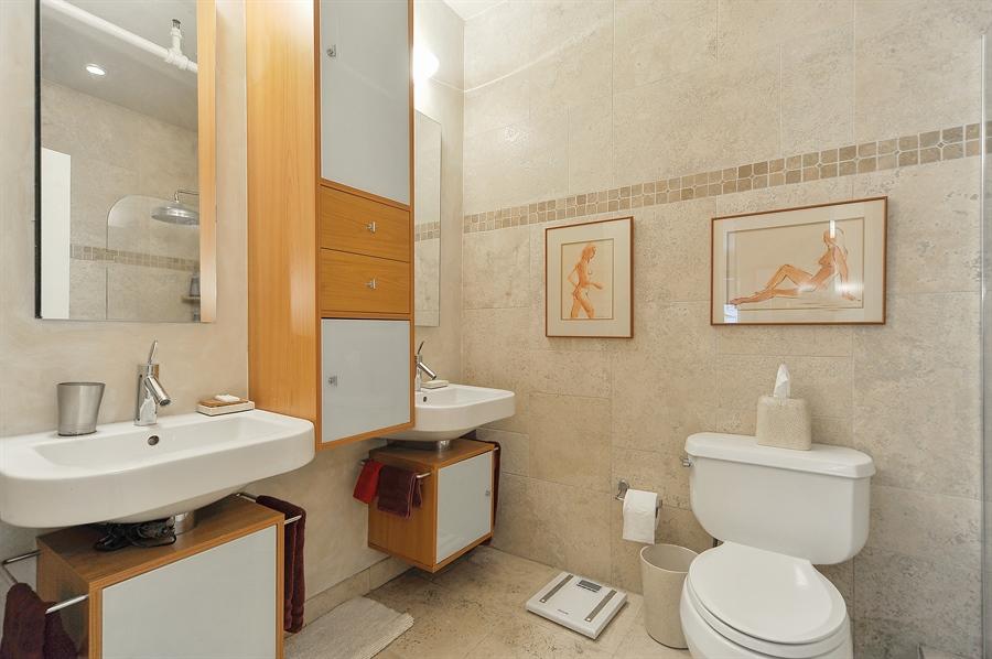 Real Estate Photography - 616 W Fulton, Unit 705, Chicago, IL, 60661 - Master Bathroom