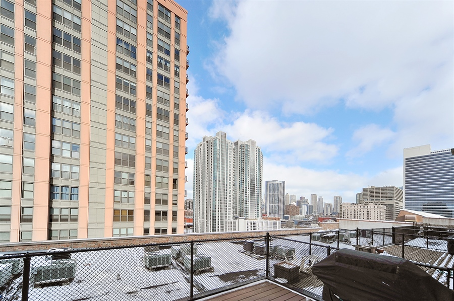 Real Estate Photography - 616 W Fulton, Unit 705, Chicago, IL, 60661 - View