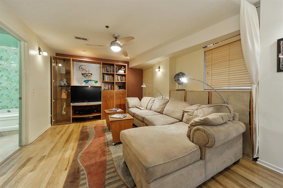 Real Estate Photography - 616 W Fulton, Unit 705, Chicago, IL, 60661 - Den