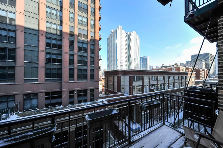 Real Estate Photography - 616 W Fulton, Unit 304, Chicago, IL, 60661 - View
