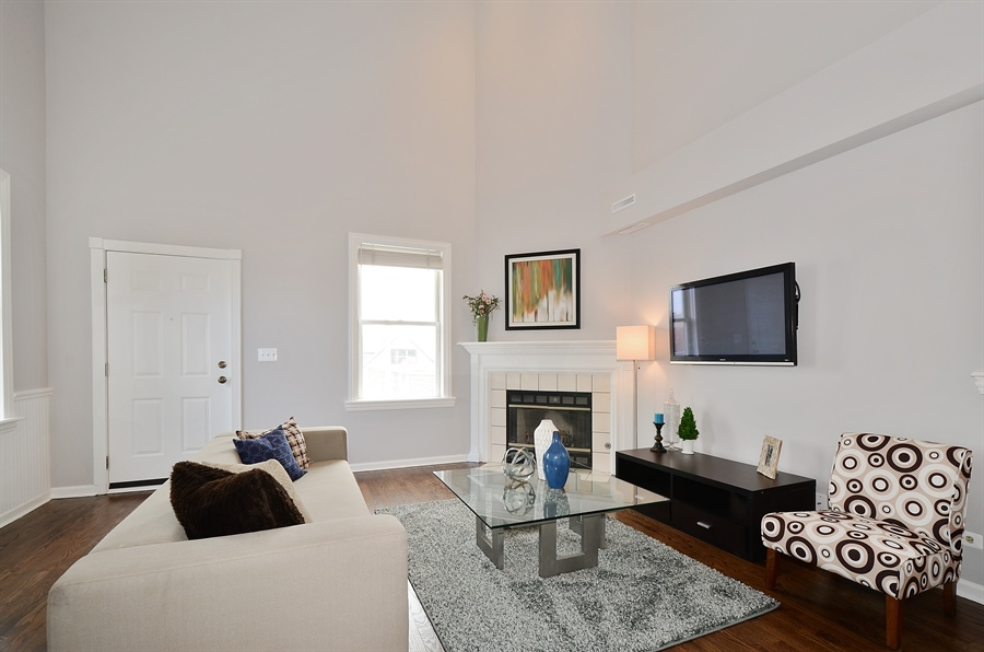 Real Estate Photography - 3645 N Wayne, Unit C, Chicago, IL, 60613 - Living Room