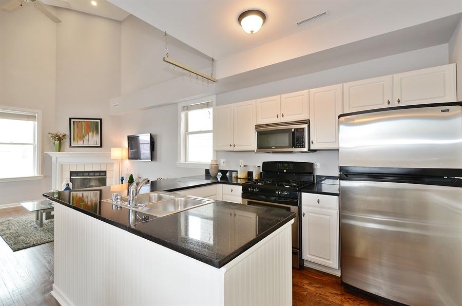 Real Estate Photography - 3645 N Wayne, Unit C, Chicago, IL, 60613 - Kitchen