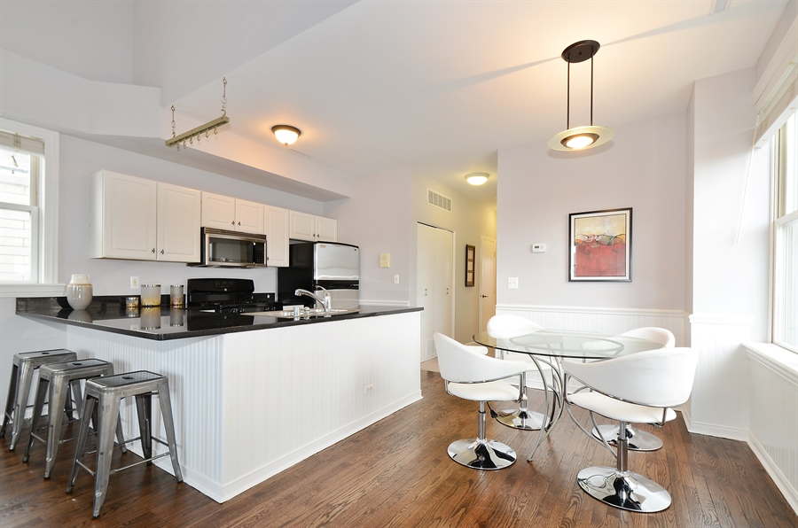 Real Estate Photography - 3645 N Wayne, Unit C, Chicago, IL, 60613 - Kitchen / Dining Room