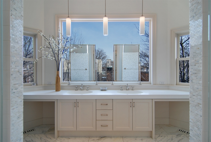 Real Estate Photography - 2136 N Magnolia, Chicago, IL, 60614 - Location 2