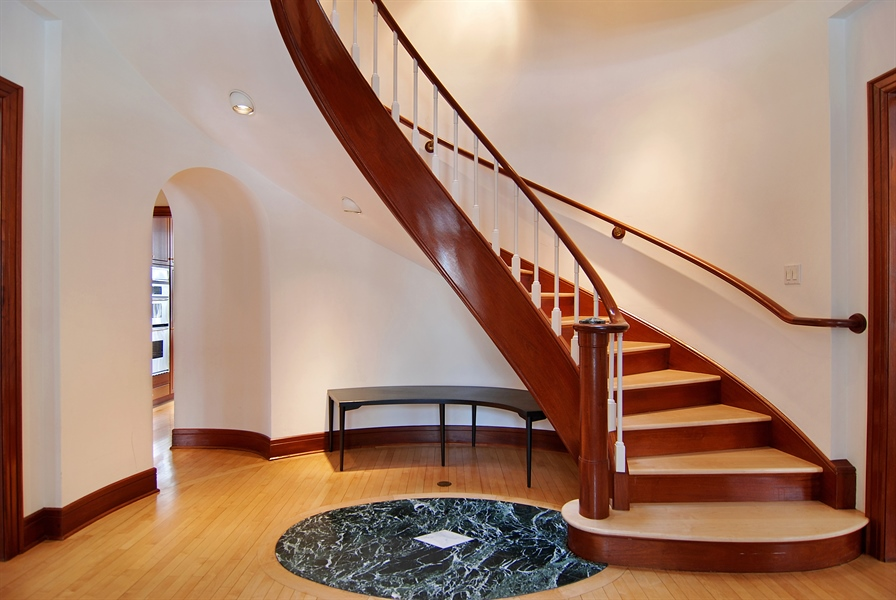Real Estate Photography - 2136 N Magnolia, Chicago, IL, 60614 - Foyer