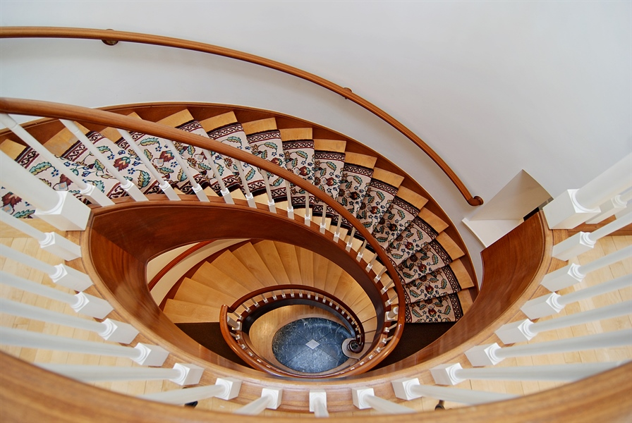 Real Estate Photography - 2136 N Magnolia, Chicago, IL, 60614 - Staircase
