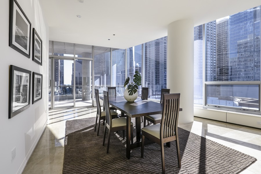 ... 60610 Real Estate Photography   30 W Oak St, 8A, Chicago, IL, ...