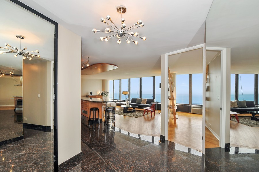 Real Estate Photography - 505 N. Lake Shore Dr., 3905, Chicago, IL, 60611 - Foyer