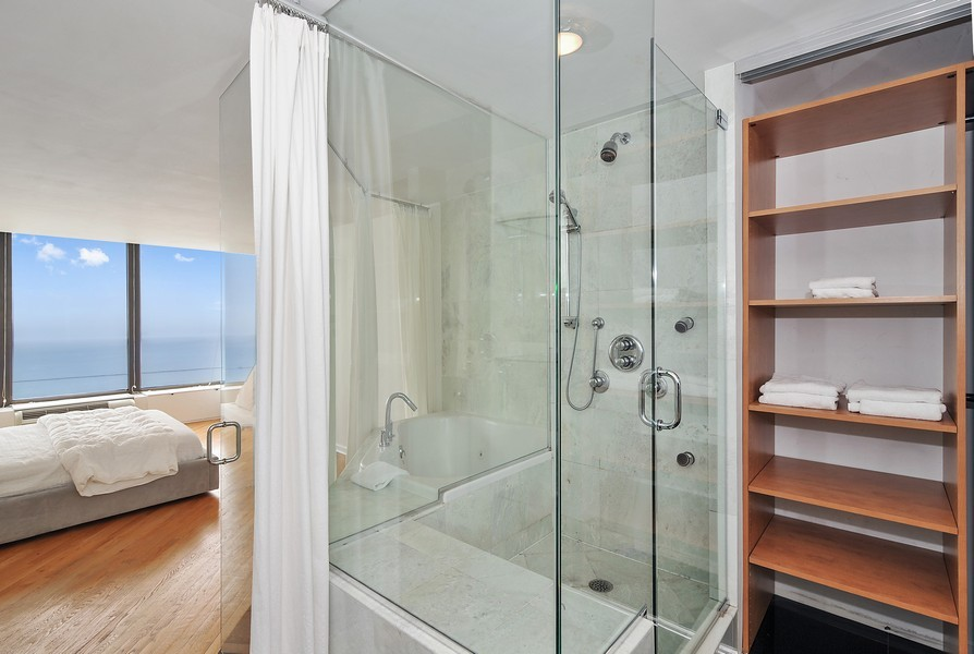 Real Estate Photography - 505 N. Lake Shore Dr., 3905, Chicago, IL, 60611 - Location 14