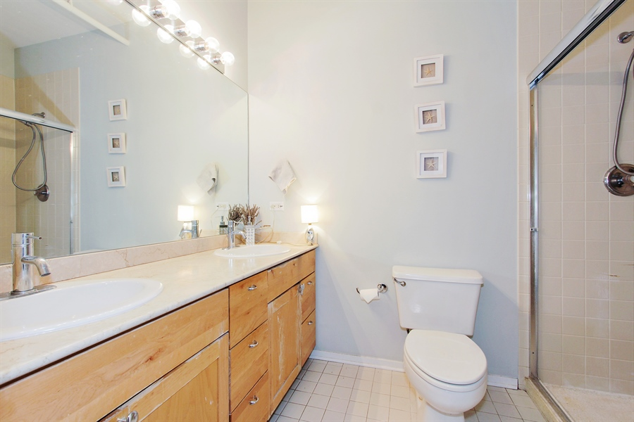 Real Estate Photography - 616 W Fulton, Unit 704, Chicago, IL, 60661 - Master Bathroom