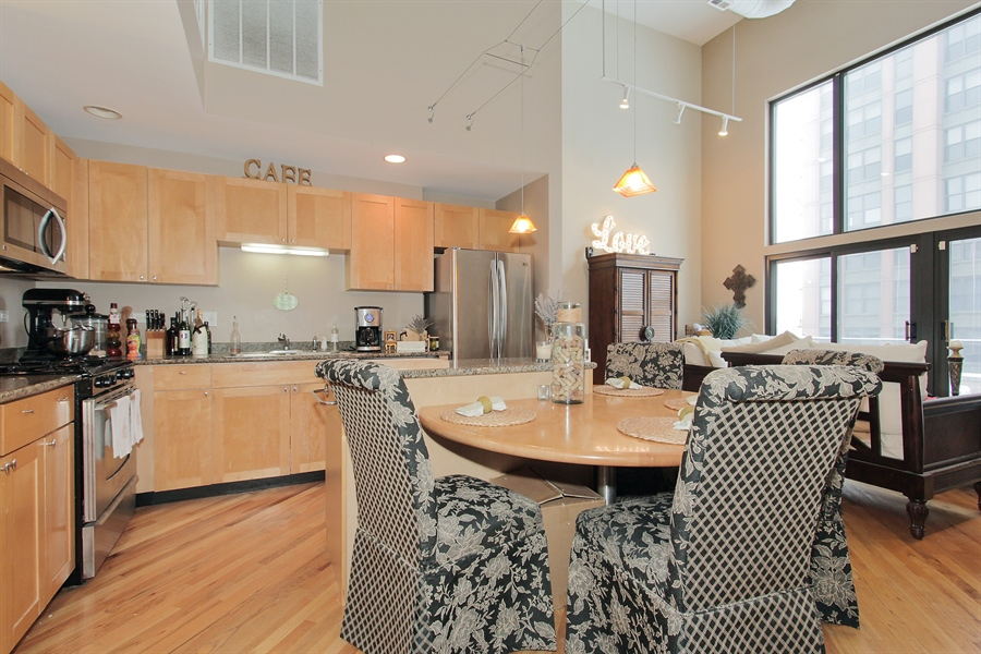 Real Estate Photography - 616 W Fulton, Unit 704, Chicago, IL, 60661 - Kitchen
