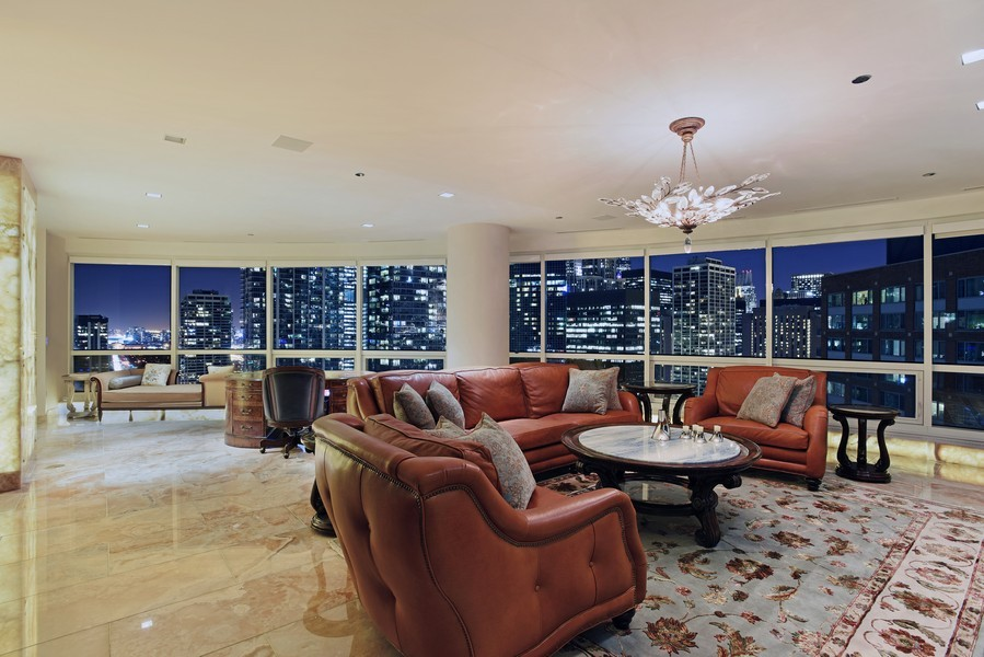 Real Estate Photography - 415 E North Water St, Unit 3205, Chicago, IL, 60611 - Location 12