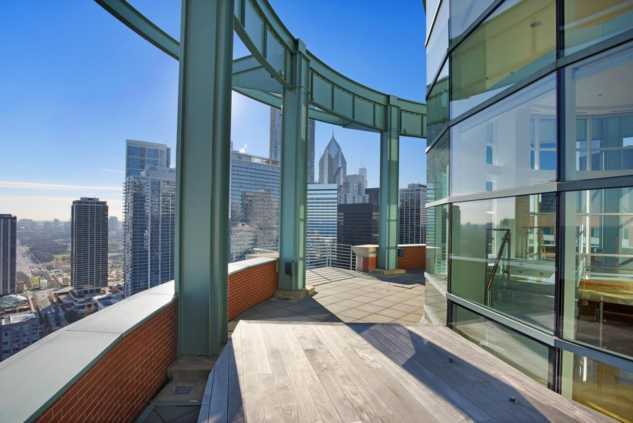 Real Estate Photography - 415 E North Water St, Unit 3205, Chicago, IL, 60611 - Terrace