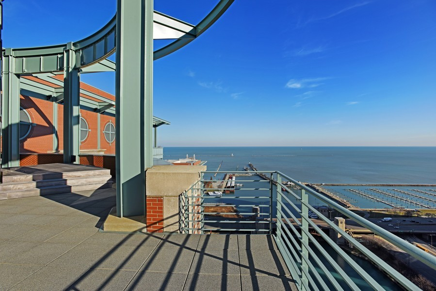 Real Estate Photography - 415 E North Water St, Unit 3205, Chicago, IL, 60611 - Terrace 3