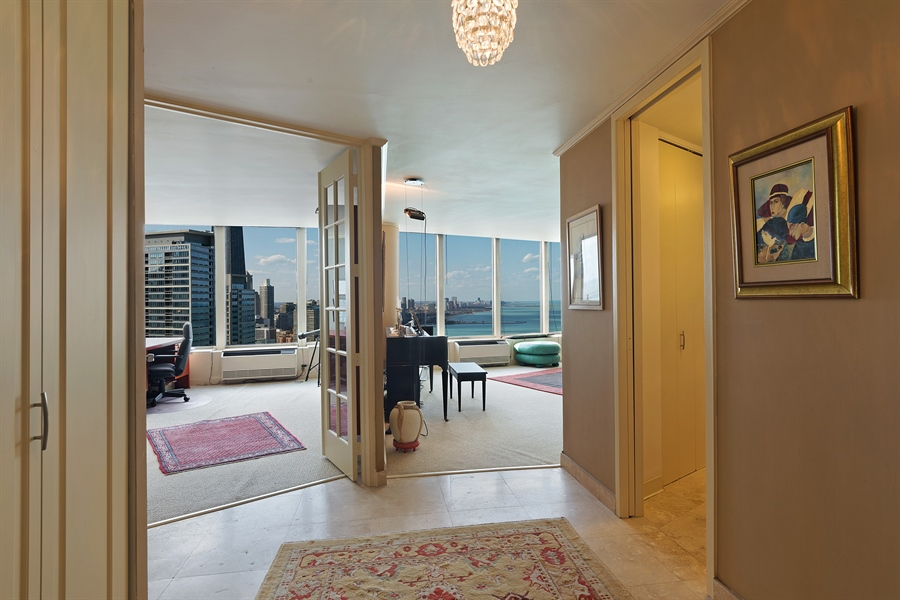 Real Estate Photography - 505 N. Lake Shore, 4512, Chicago, IL, 60611 - Entryway