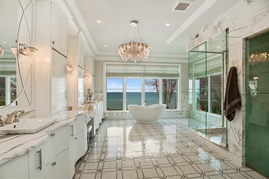 Real Estate Photography - 195 Sheridan Rd, Winnetka, IL, 60093 - Master Bathroom