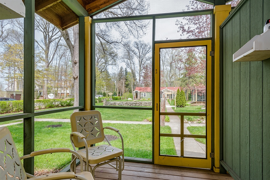 Real Estate Photography - 15657 Lake Shore Rd, #17, Union Pier, MI, 49129 - Screened porch