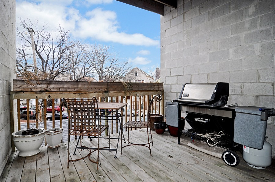 Real Estate Photography - 2419 N Clybourn, Unit 2, Chicago, IL, 60614 - Terrace