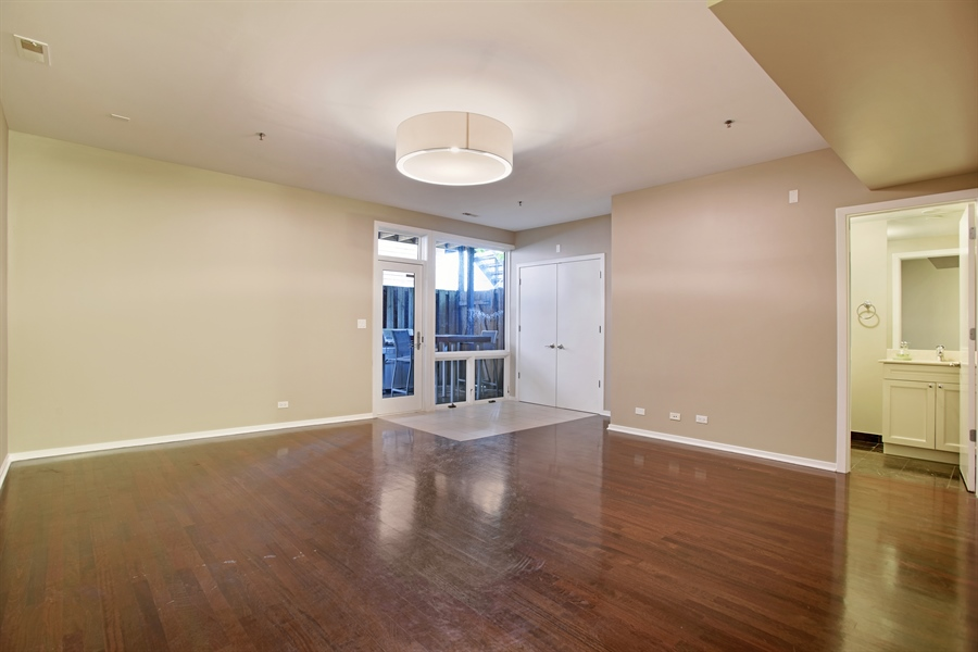 Real Estate Photography - 2325 N Bosworth Ave, Chicago, IL, 60614 - Family Room