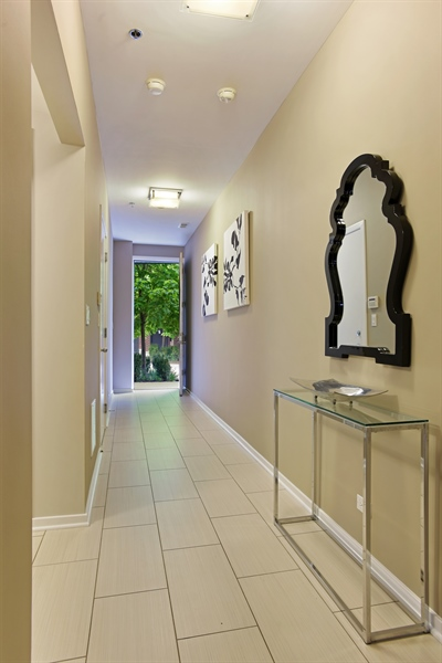 Real Estate Photography - 2325 N Bosworth Ave, Chicago, IL, 60614 - Foyer