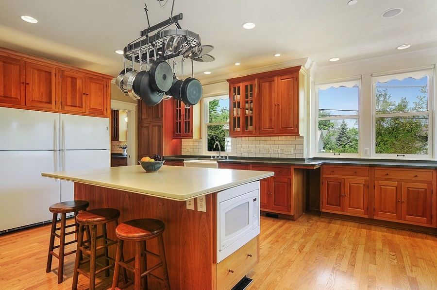Real Estate Photography - 203 Dundee Avenue, Barrington, IL, 60010 - Kitchen