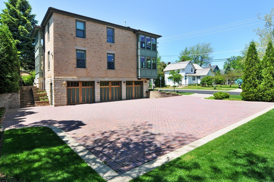 Real Estate Photography - 203 Dundee Avenue, Barrington, IL, 60010 - Oversized Brick Drive