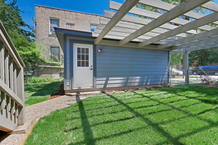 Real Estate Photography - 3030 W Cortland, Chicago, IL, 60647 - Yard