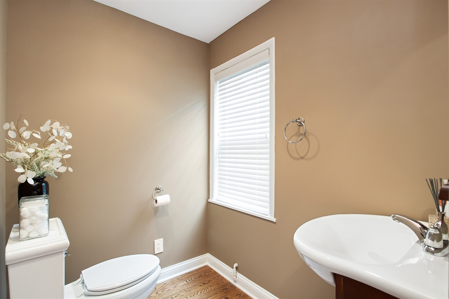 Real Estate Photography - 6626 N Sioux Ave, Chicago, IL, 60646 - Half Bath